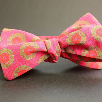 Magenta Pink Self tie Bow Tie Funky African ShweShwe fabric Bowtie Wedding Bow tie Groomsmen Bowtie Ring Bearer necktie Pink Tie Party Tie