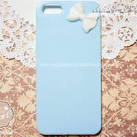 iPhone 5 Pastel Blue Cute Candy Color  Hard Cover Plastic Case with Bow (28 x 20mm) :   Minnie Mouse like Bow 5G