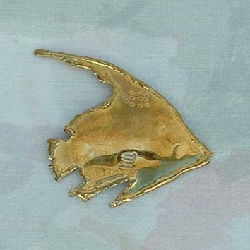 Vintage Hand-Formed Brass Fish Brooch Pin Sealife Marine Figural Jewelry