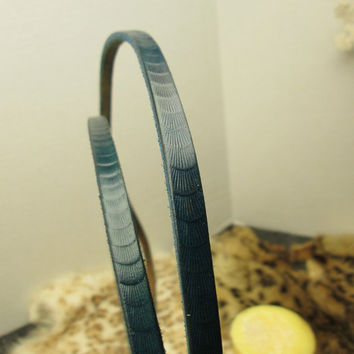 Petite blue leather leash, Turquoise show lead , thin lead, mini dachshund leash , small dog leash , designer leather