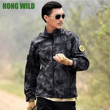 HONG WILD  Army Tactical Camouflage Skin  Jacket Men Thin Waterproof Raincoat  Breathable Hooded Military quick-drying Clothes