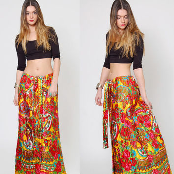 Vintage 70s QUILTED Maxi Skirt Bright Floral Print PSYCHEDELIC Hippie Skirt ETHNIC Print Gypsy Skirt