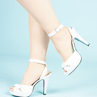 Ivory Satin Sandals W/ Wrap Around Buckle Closure/Pin Up [BETT04/IVSA] - $60.45 : Uturn Utopia, Retro footwear, Rockabilly Shoes, Vintage Inspired Clothing, jewelry, Steampunk