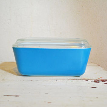 Pyrex Blue Refrigerator Dish, 1950's Vintage Blue Pyrex Pan with Lid,  Medium  Pyrex Ovenware
