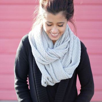CREYON Waffle Knit Infinity Scarf Day First