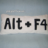 Alt  F4 Pillow  turn off