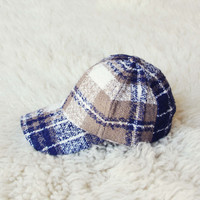 Snowcap Plaid Hat in Navy