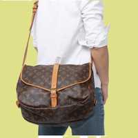Louis Vuitton Monogram 35 Messenger Bag.  Duel Sided Crossbody!