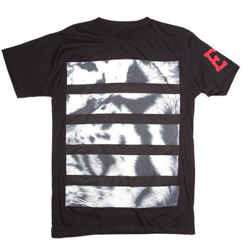 WHITE TIGER STRIPE TEE