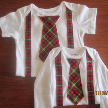 Baby Christmas outfit for twin, Boy red green plaid Onesuit, Baby X mas shirt, twin boy Christmas neck tie outfit, Christmas neck tie Onesuit