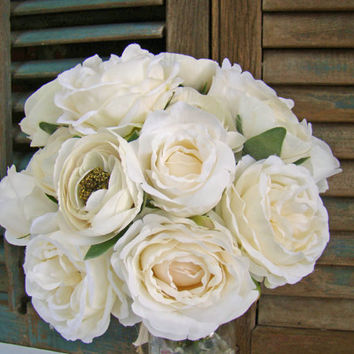 Brides Wedding Bouquet, Bridesmaid, Rose Ranunculus, Cream and White, Spring Wedding, Rustic Wedding, Summer WeddingTraditional Bouquet