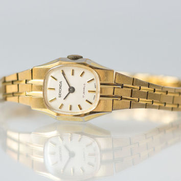 Lady's watch gold plated cocktail watch mint condition timepiece Sekonda wrist watch Christmas gift her