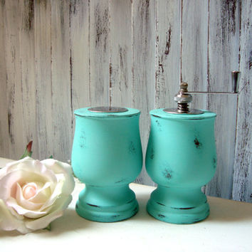 Aqua Pepper Grinder and Salt Shaker Set, Teal Painted Wooden Vintage Salt and Pepper Set, Pepper Mill, Beach Cottage Kitchen, Gift Ideas