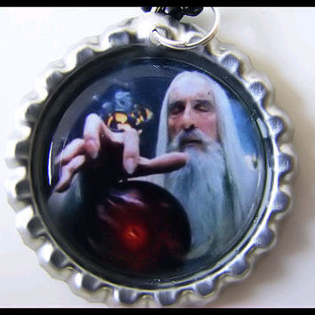Bottle Cap Pendant - SARUMAN - LOTR - Wizard - Lord of the Rings -  bottlecap - with 24-inch black Ball Chain Necklace
