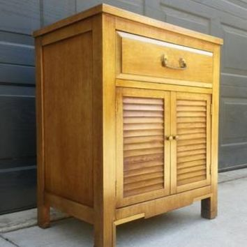 Vintage National Mt. Airy Nightstand / Entry Table
