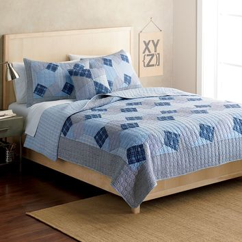 Home Classics Statements Brennan Reversible Quilt (Blue)