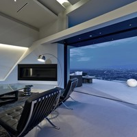 MU:91 - View northwest, from grand room toward upper deck (photo: Marc Angeles [Unlimited Style Photography]