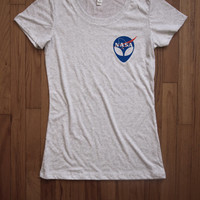 Alien nasa Women Tee shirt loose neck Bella