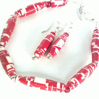 Paperbead Bracelet set  Holiday paper jewelry  Red & white paperbeads  Bracelet and earrings  Christmas jewelry  Wrapping paper bracelet set