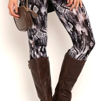 Blurred Tribal Print Leggings