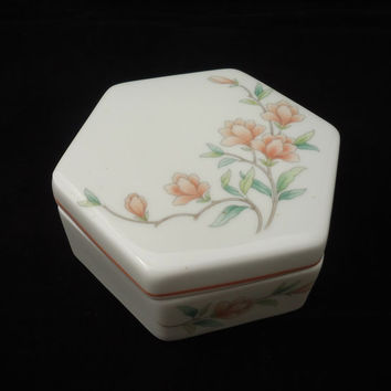 Vintage Trinket box, Wedgwood Bone China Trinket Box, Melanie Pattern Jewellery box, Hexagoal Wedgwood Trinket box, UK Seller