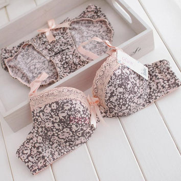 Adjustable Bra Underwear Set [9007928835]