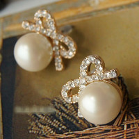 new Pearl Bow Earring stud