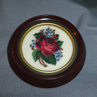 "Completed Petit Point Rose Picture in Round Wood Frame 5,25"" dia."