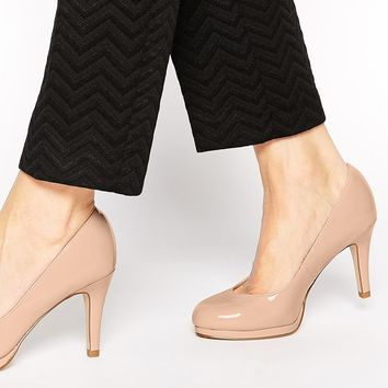 New Look Wide Fit Renovate Patent Nude Heeled Pumps
