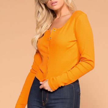 Snap It Amber Ribbed Long Sleeve Crop Top