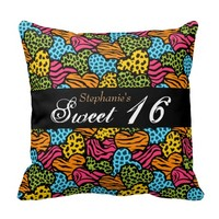 Colorful animal pattern hearts Sweet 16 Pillow