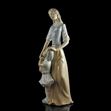 Porcelain Figurine, Statue, Mother and Daughter