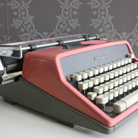 CHRISTMAS SALE 15% OFF: Lovely Pink Vintage Olympia Typewriter De Luxe - Great Condition