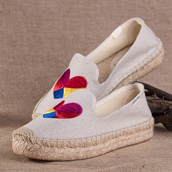 Soludos Women Thick Bottomed Love Heart Embroidered Straw Shoes