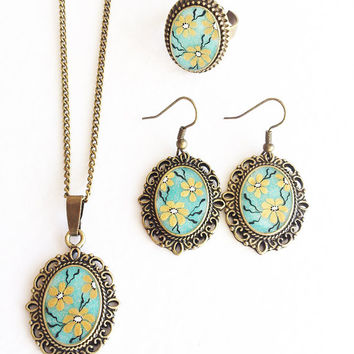 Cool Spring. Hand painted Pendant, Earrings and Adjustable ring