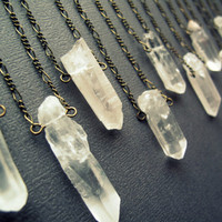 Raw Quartz Necklace / Crystal Necklace / Healing Crystal Pendant / Layering Necklace / Long Crystal Necklace / Raw Clear Quartz Crystals