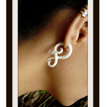 Fake gauge earrings  Small twist  Bone Split Gauge by ANELAJADE