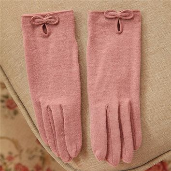 2017 Autumn Winter Women Knitted Wool Gloves Bowknot China Buckle Solid Color Keep Warm Thin Five Fingers Lady Glove T160