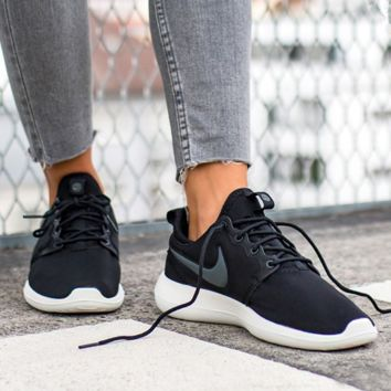 NIKE ROSHE TWO Women Black Casual Running Sport Sneakers Shoes