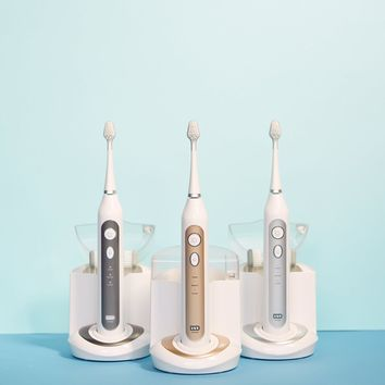 Purchase Elite Sonic Toothbrush and receive a FREE Palette