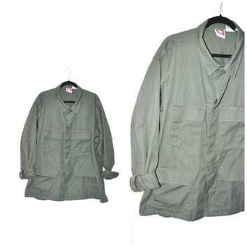 army green MILITARY field jacket / vintage 80s GRUNGE minimalist army surplus relaxed fit WINDBREAKER