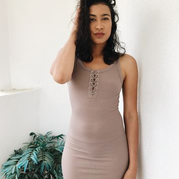 MAYA RIBBED TIE FRONT DRESS- TAUPE