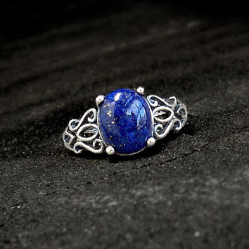 Lapis Lazuli Ring: Sterling and Lapis - open silver filigree band, vintage, antique, tribal pattern, dark blue gemstone cabochon, size 7