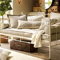 SAVANNAH METAL DAYBED, DISTRESSED ANTIQUE WHITE