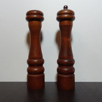 Vintage Tall Olde Thompson Wooden Salt and Pepper Set - Monterey Park California USA - Salt Shaker and Pepper Mill - Farmhouse Style