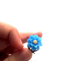 Light blue petalled flower cabochon ring with yellow polens atop antique brass adjustable filigree, jewelry, ring, resin, rose,