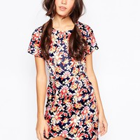 Dasiy Street Shift Dress In Daisy Print