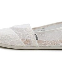 DCCKU62 TOMS Seasonal Classics White Lace