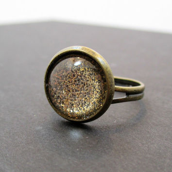 Gold Glitter Ring. Antique Brass. Adjustable Band - SANDY BEACHES - Costume Jewlery by Sparklingtwi