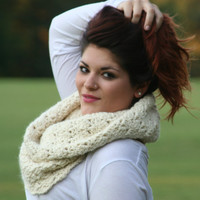 Off White 100% Baby Alpaca Hand Crocheted Chunky Cowl Scarf Snood Scarf